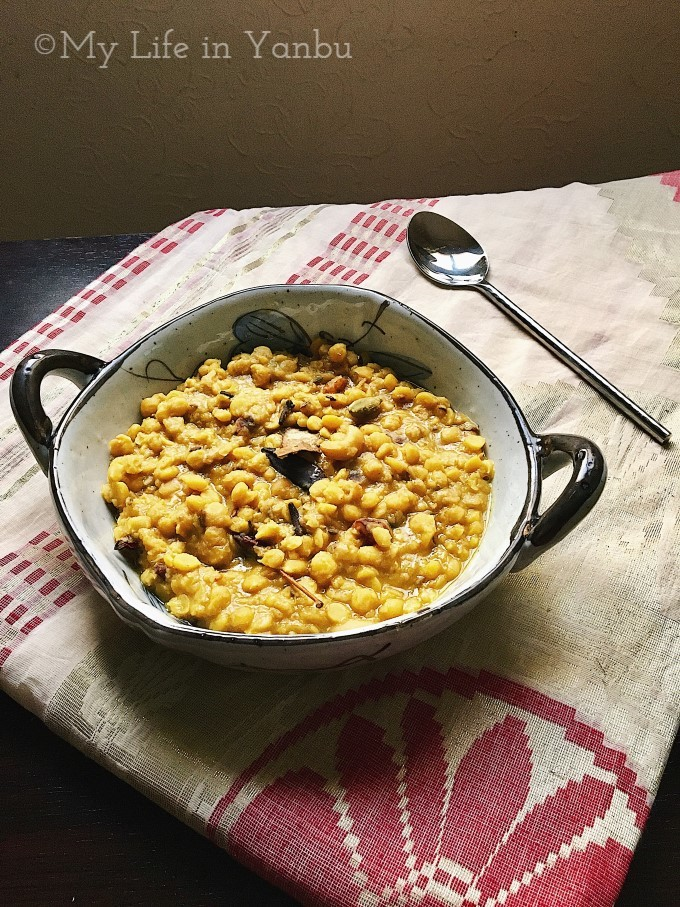 Cholar Dal   Split Chickpea in Whole Spices & Coconut