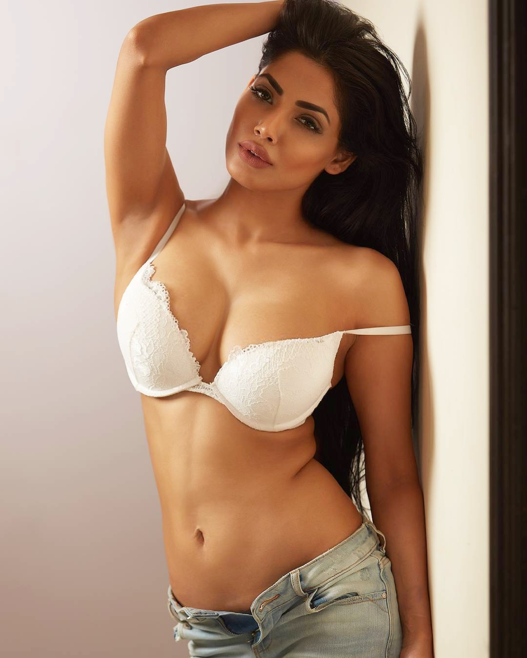 Hot Indian actress pics – Celebrityphotocuts 4