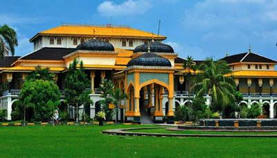 Istana Kerajaan  Terindah Di Indonesia  10 ISTANA KERAJAAN TERINDAH DI INDONESIA