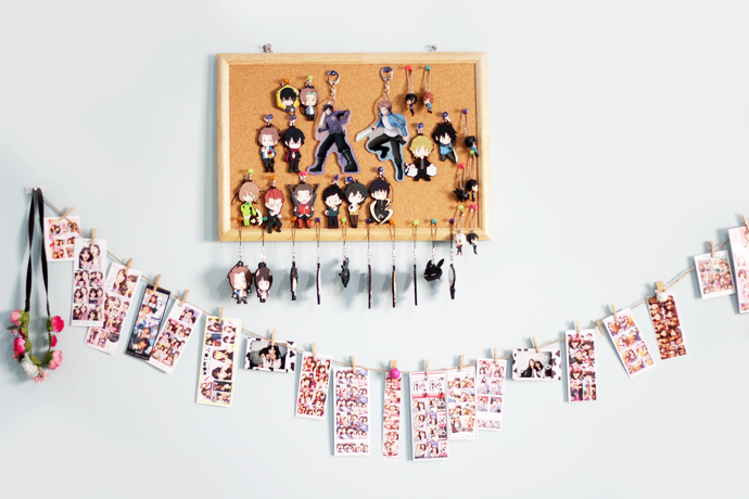 The Photo Stickers Room Garland