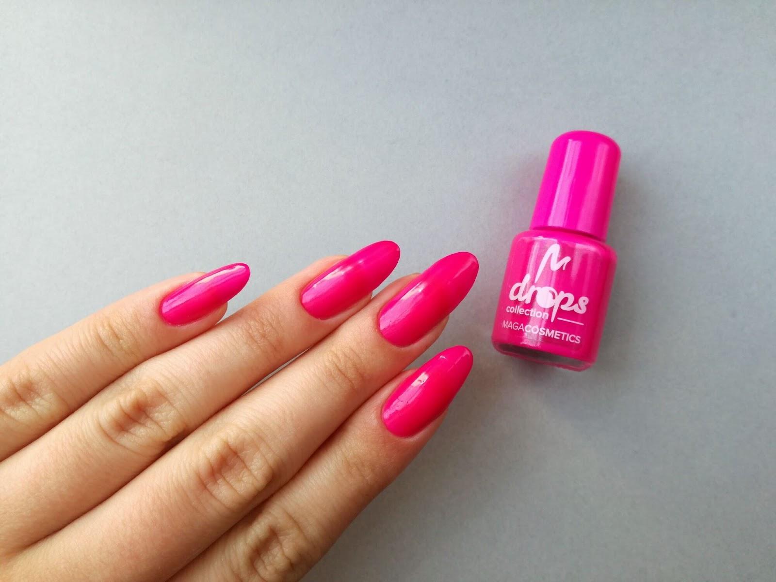 paznokcie neonowe różowe migdałki
