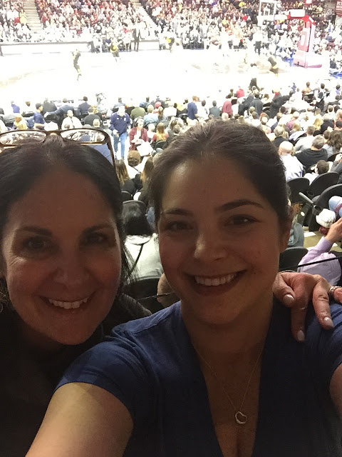 Venture & Roam: Selfie at the Cavs game