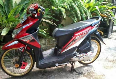 Modif Honda Beat FI Warna Merah Velg 17 Gold