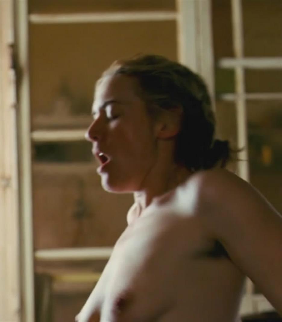 Kate winslet nude in outdoor