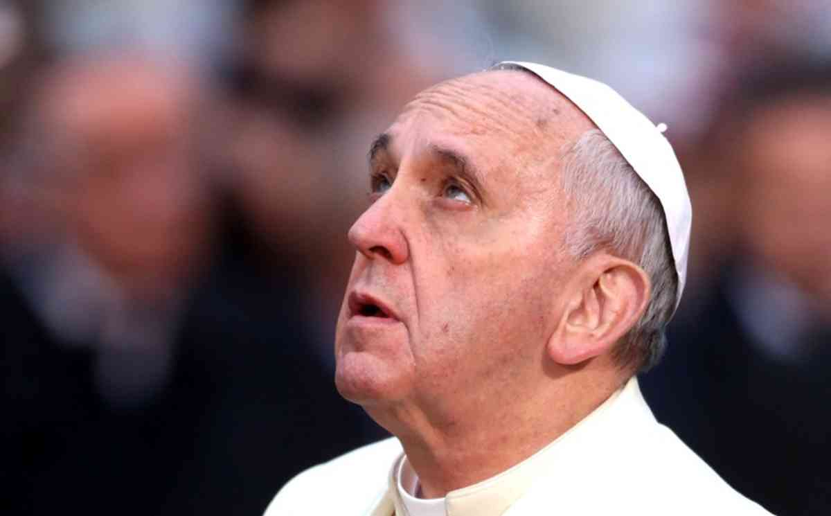 Tear down all walls to spread peace: Pope