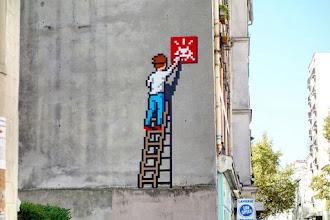 Sunday Street Art : Invader - rue de Montreuil - Paris 11