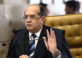 Associação de juízes sugere que Gilmar Mendes renuncie e vire comentarista