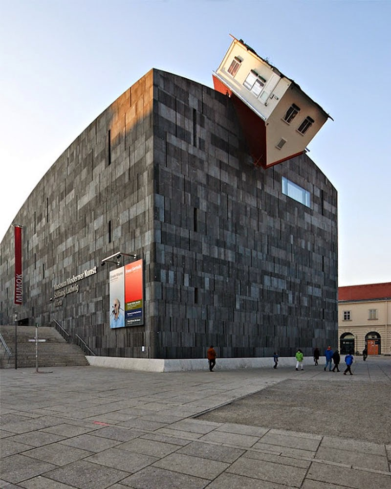 9. House Attack (Vienna, Austria) - Top 13 World's Strangest Buildings