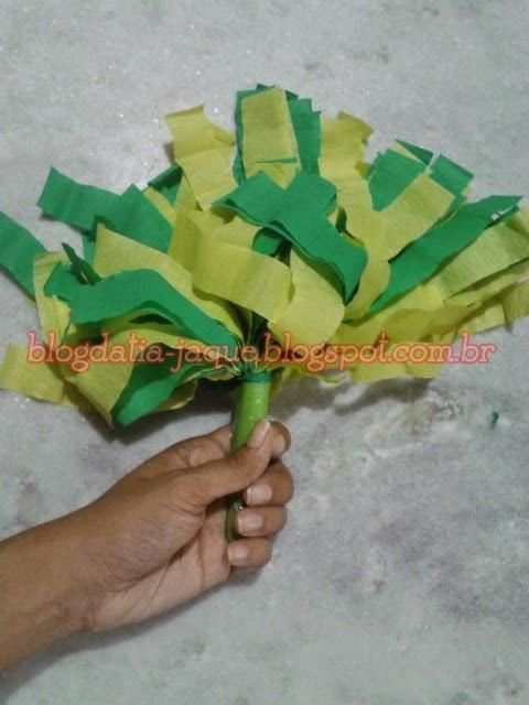 Blog Da Tia Jaque Pompom Verde Amarelo Em Papel Crepom