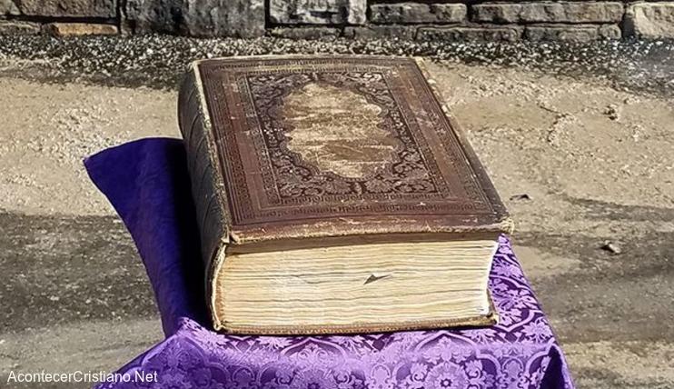 Biblia de 150 años de antigüedad