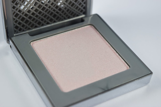 Urban Decay Afterglow 8-Hour Powder Highlighter in Aura