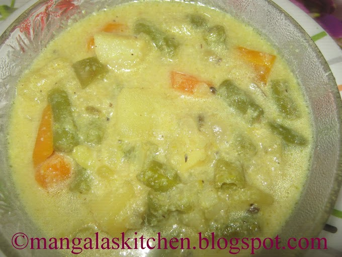 Hotel Style Vegetable Paya - Side dish for Idli, Appam, Idiyappam - Idli Paya Recipe
