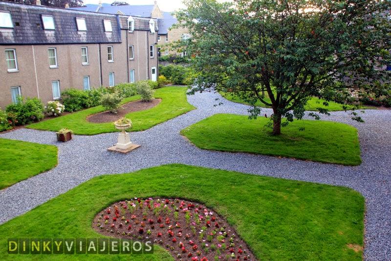 Fisher's Hotel (Pitlochry). Jardín interior