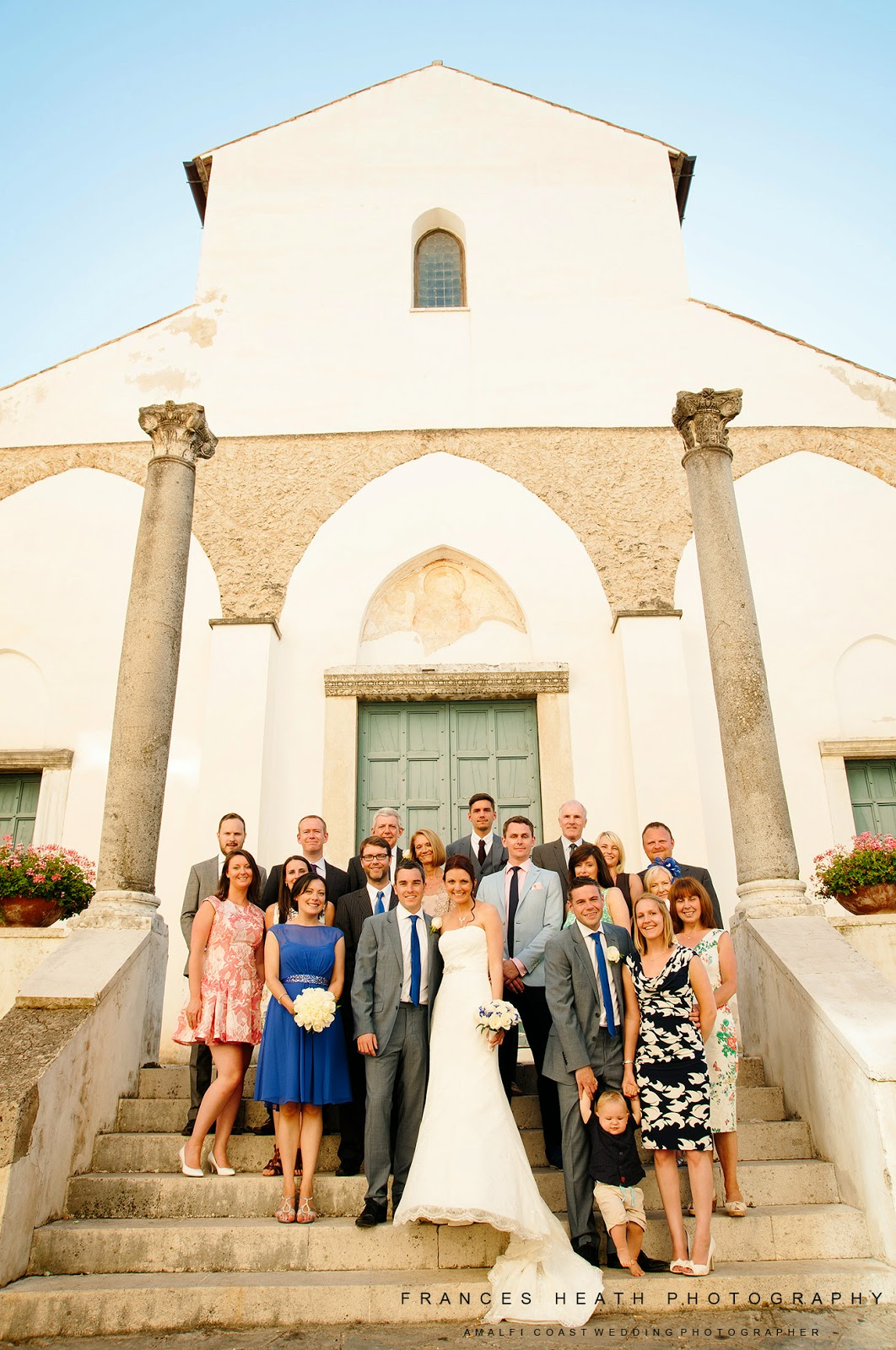 Group photo of wedding in Ravello