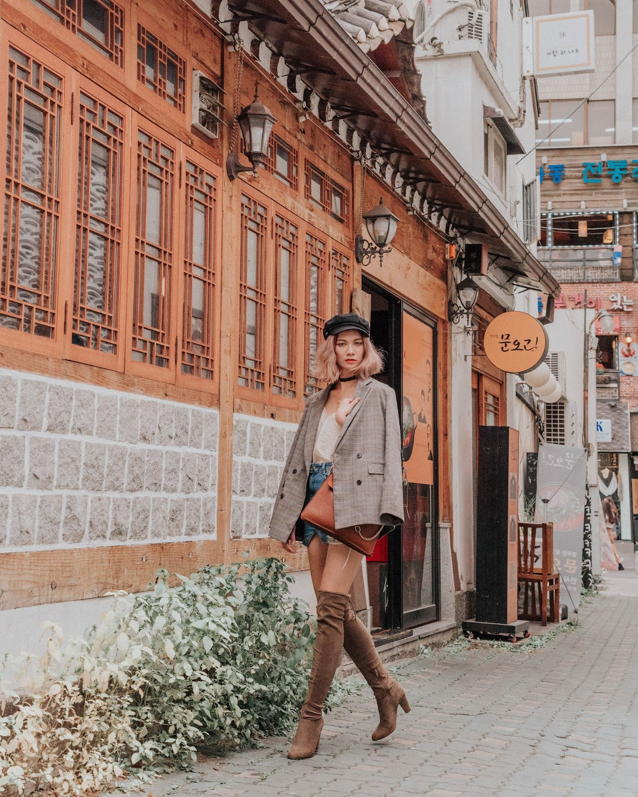 korea travel guide, seoul travel guide, seoul, korea, bukcheon, hanok village, insadong, travel guide, travel, seoul tourism, travel blog, and other stories, chloe girl, chloe faye, mejuri necklace, vintage style, retro style, checked blazer, trend checked, brixton hat, baker boy hat