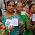 गुजरात चुनाव : ईवीएम में गड़बड़ी के बीच पहले चरण में भारी मतदान
