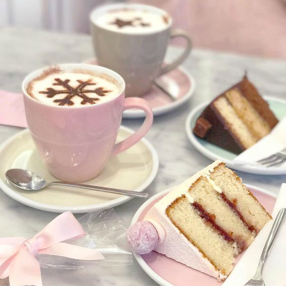 Love, Catherine | Cake & Hot Chocolate at Peggy Porschen