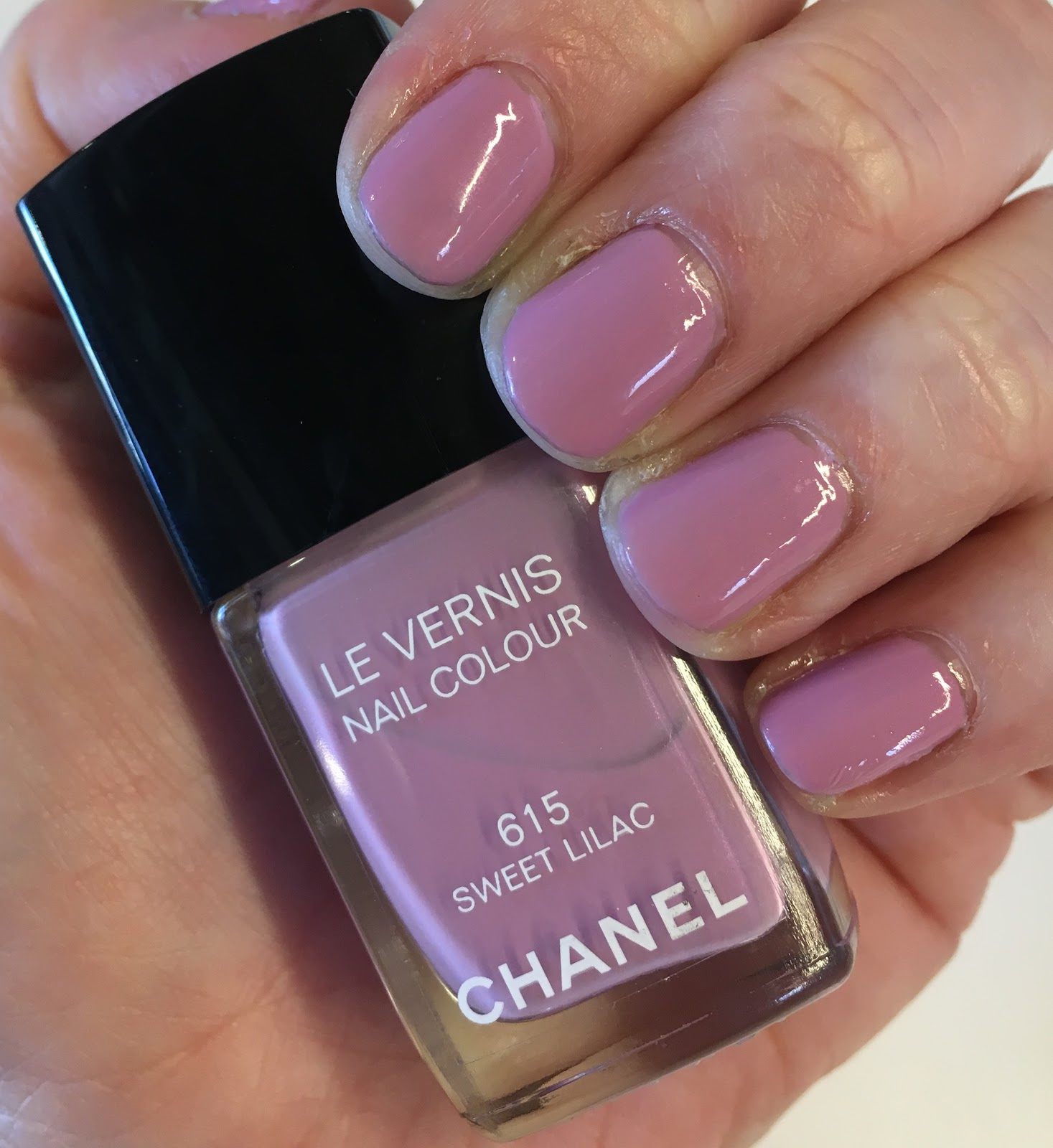 The Beauty of Life: #ManiMonday: Chanel Sweet Lilac