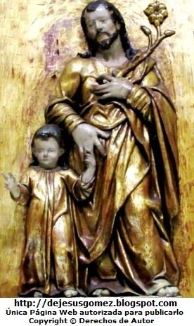 Imagen de San José de la mano del niño Jesús. Foto de San José tomada en el Museo de Arte Religioso de la Catedral de Lima por Jesus Gómez