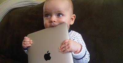 baby with ipad abre - Será que alguém vai curtir?