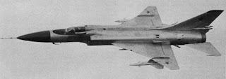 Su-15TM con l'ala modificata e l'armamento incrementato.