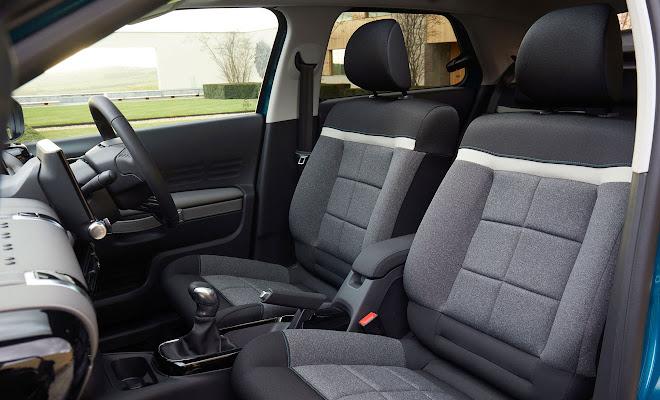 Citroen C4 Cactus 2 front seats