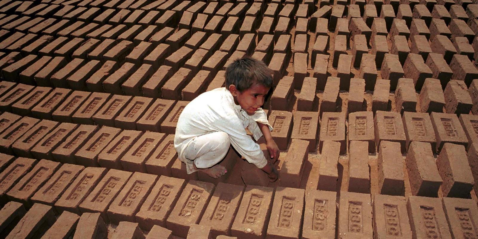 child labor in pakistan essay