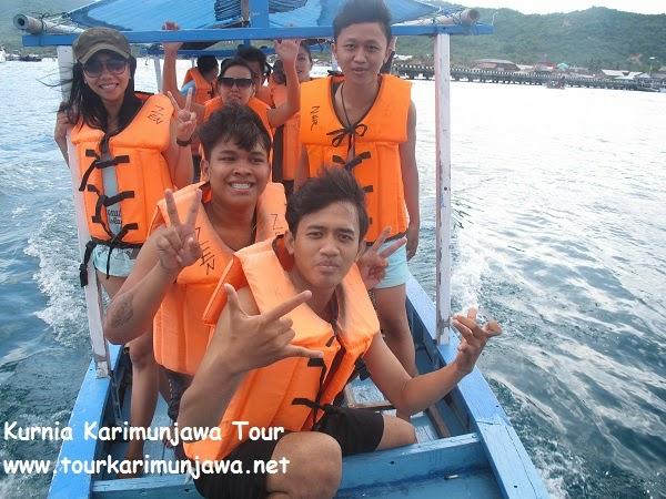 kapal untuk snorkeling