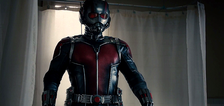 Escrocul Scott Lang (Paul Rudd), devine Ant-Man
