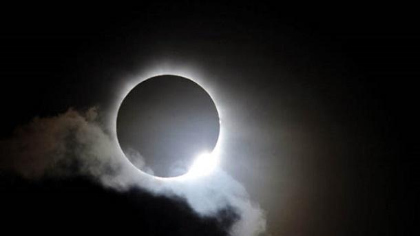 Video gerhana matahari keseluruhan 2016 yang bakal berlangsung pada 9 Maret 2016