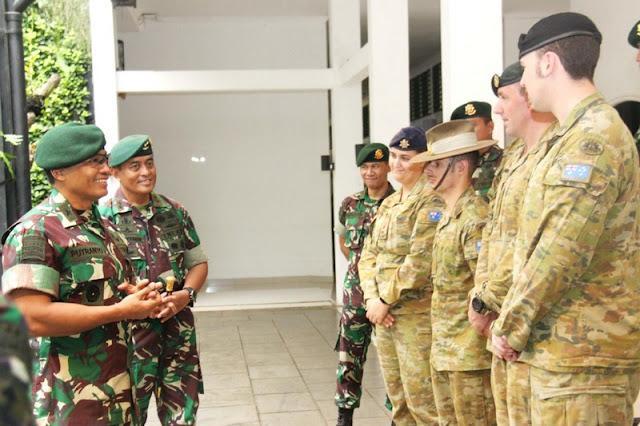 The Royal Australian Army Berkunjung ke Madivif 1 Kostrad
