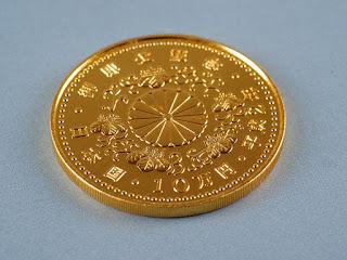 平成2年の10万円金貨を買い取りました 純金製のコインを高くお買い取り致します
