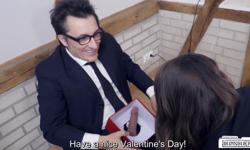 Nonton Bokep Kado Valentine
