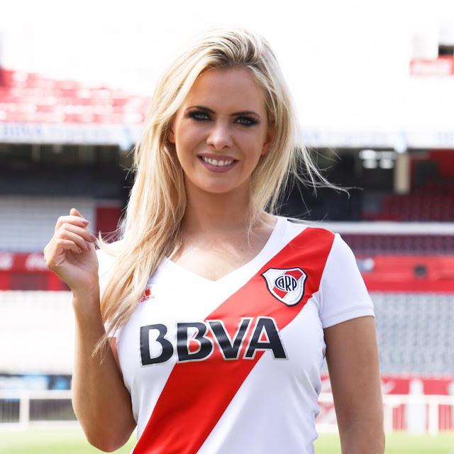 Φωτογραφικό αφιέρωμα στην εκφωνήτρια της River Plate, Alejandra Maglietti