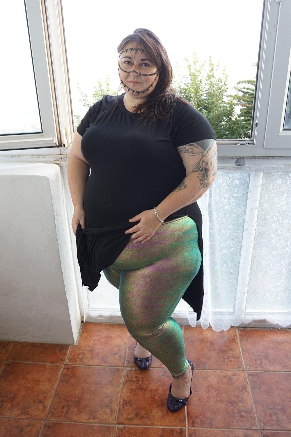 Outfit August | ASOS Curve night foil metallic leggings - Love Leah