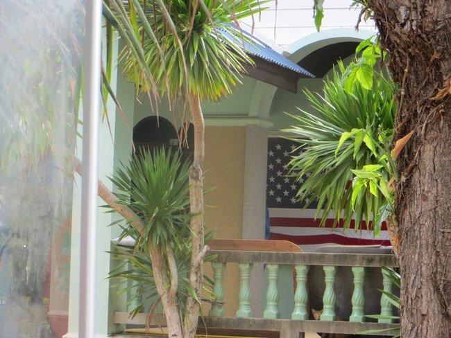 Американский флаг на доме