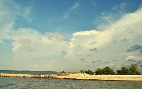 Tempat wisata pantai tirang di semarang