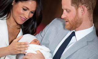 Το BBC απέλυσε ραδιοφωνικό παραγωγό που παρομοίασε το νέο βασιλικό μωρό με χιμπαντζή - ΦΩΤΟ