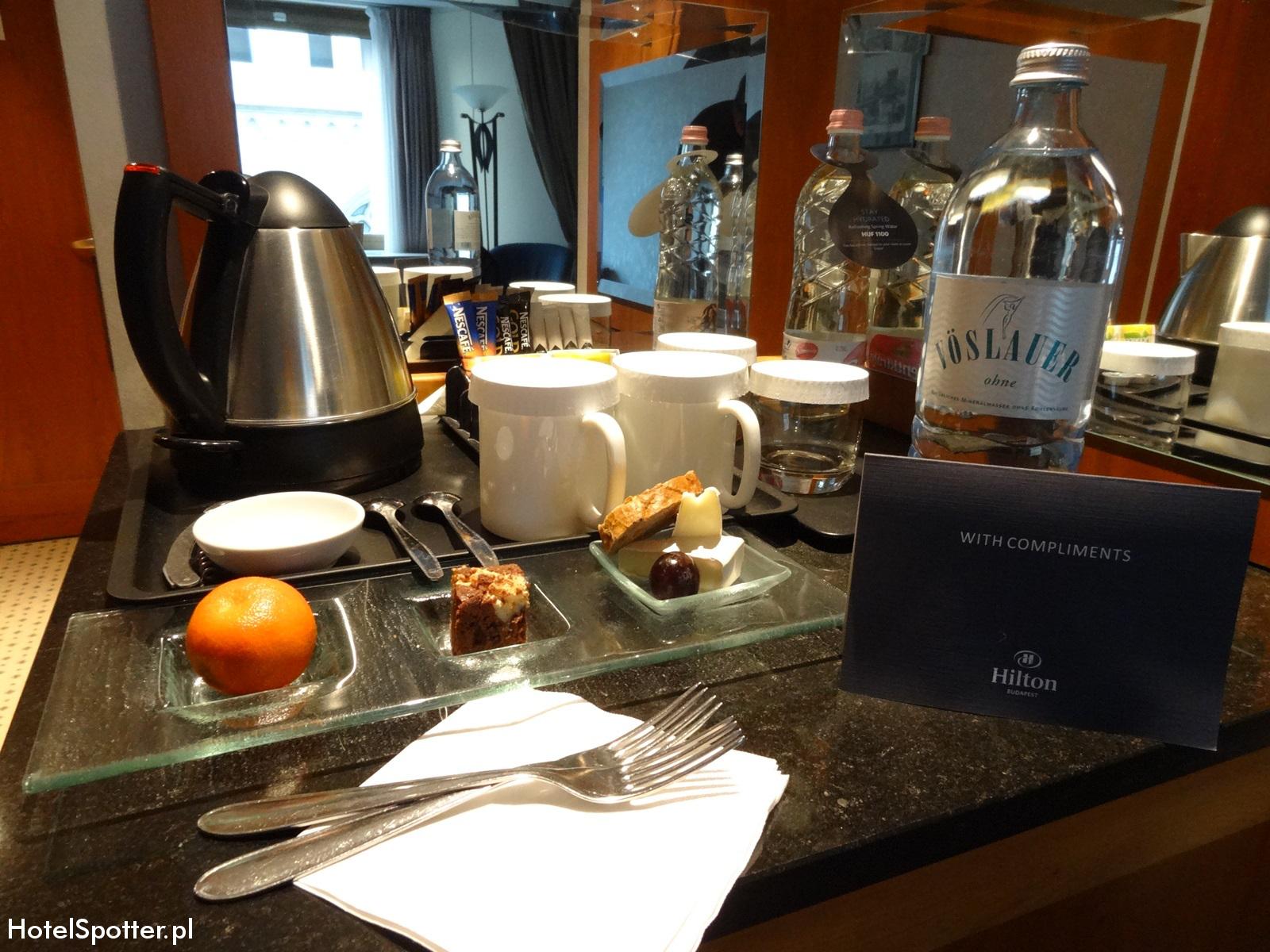 Hilton Budapest hotel recenzja review poczęstunek