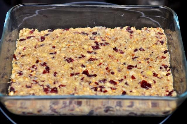 Barres de Céréales Avoine et Cranberries - fruits - Barres de céréales maison - cuisine - recette de barres de céréales - cooking - cook - Home-made cereal bars - dessert - breakfast - cranberry - oat - canneberge - avoine - goûter - petit-déjeuner - biscuits