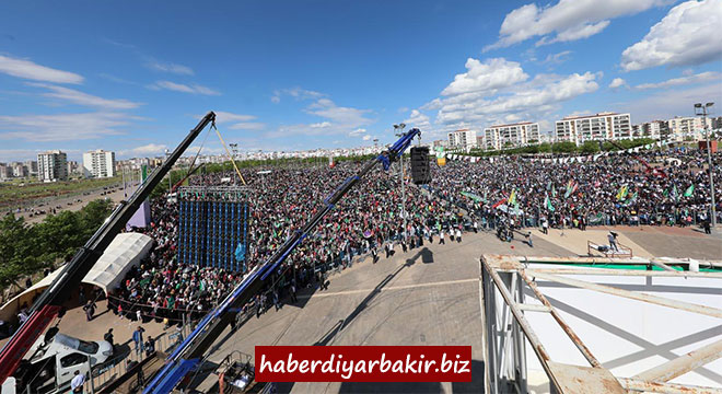 Prophet lovers sent a message from Diyarbakır to the Islamic world