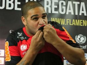 Flamengo abre as portas para Adriano se recuperar