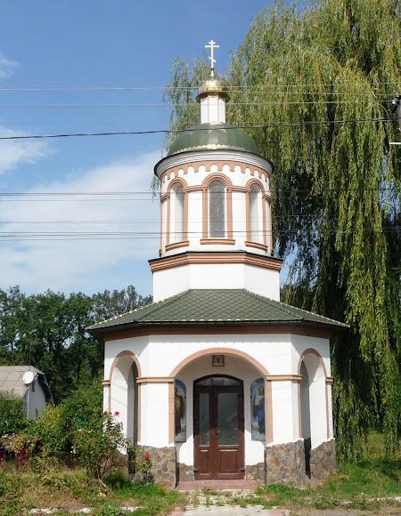 Лужаны. Часовня на трассе Стрый – Ивано-Франковск – Черновцы