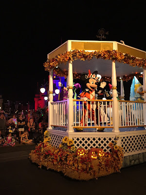 """Tips for Mickey's """"Boo-to-You"""" Halloween Parade at Mickey's Not So Scary Halloween Party"""