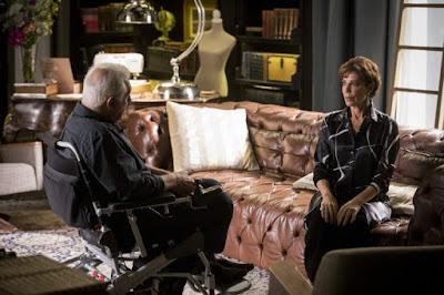 Alberto e Vera em cena da novela das 19h, Bom Sucesso (Foto: Globo / Raquel Cunha)