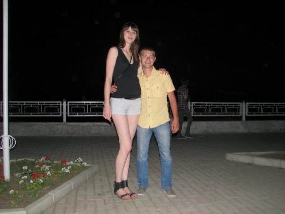 Very tall beautiful girls