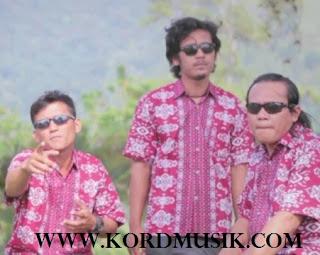 Kunci Gitar Trio Santana - Molo Marrokkap