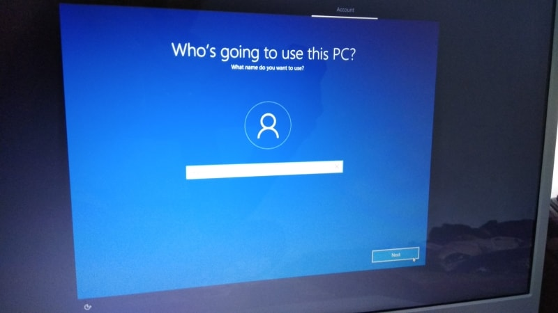 Install windows 10, name screen