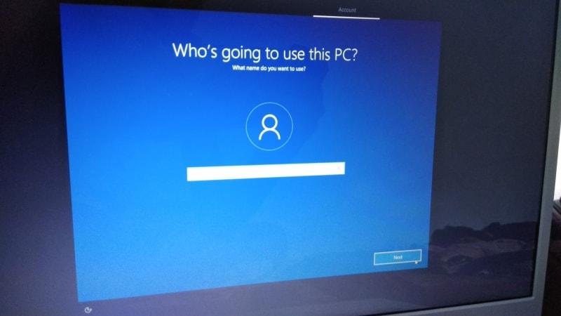 Install windows 10, name screen