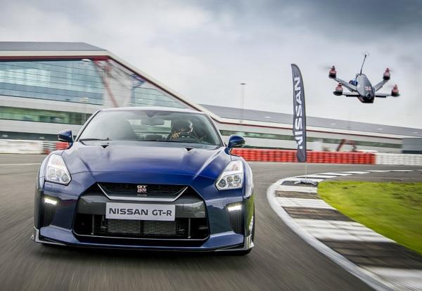 Nissan GT-R vs Drone GT-R